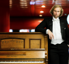Pianist Ivo Kahánek is setting off on a tour with the renowned Mahler Chamber Orchestra